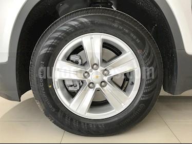 Foto venta Auto usado Chevrolet Trax LS (2019) color Plata Brillante precio $279,000