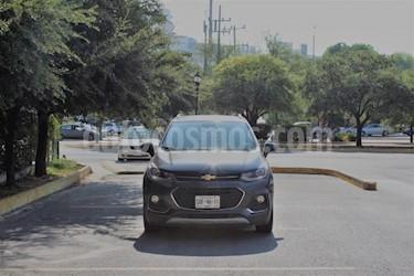 Foto venta Auto usado Chevrolet Trax LT (2017) color Gris precio $289,000