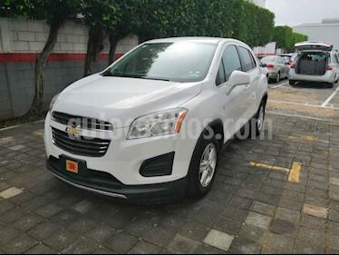 Foto venta Auto usado Chevrolet Trax LT (2016) color Blanco precio $205,000