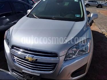 Foto venta Auto usado Chevrolet Trax LT (2016) color Plata precio $219,000