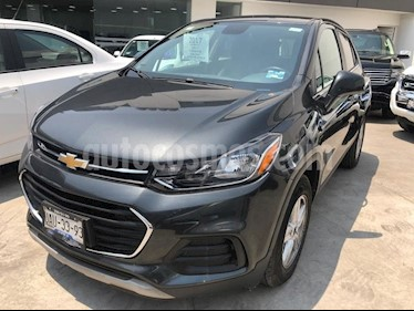 Foto venta Auto usado Chevrolet Trax LT (2017) color Gris precio $245,000