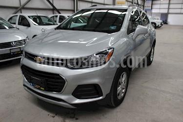 Foto venta Auto usado Chevrolet Trax LT (2019) color Plata precio $263,900