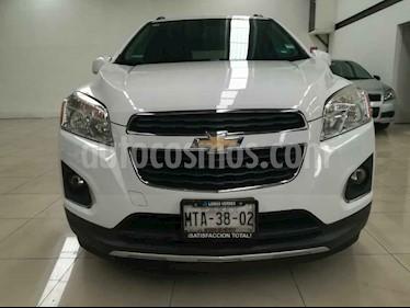 Foto venta Auto usado Chevrolet Trax LTZ (2015) color Blanco precio $209,000