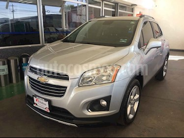 Foto venta Auto usado Chevrolet Trax LTZ (2016) color Plata precio $259,000