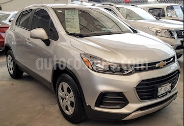 Chevrolet Trax LS usado (2017) color Plata Brillante precio $218,000