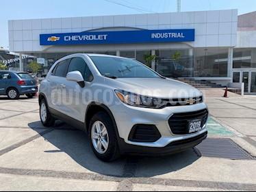 Chevrolet Trax LS usado (2019) color Plata Brillante precio $249,000