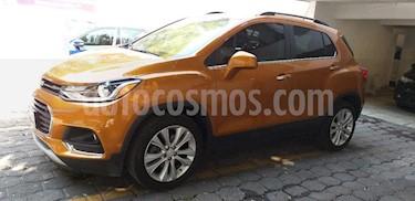 Foto venta Auto Seminuevo Chevrolet Trax Premier (2017) color Naranja precio $293,000