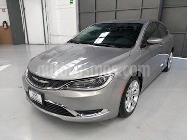Chrysler 200 200 Limited usado (2015) color Plata precio $200,000