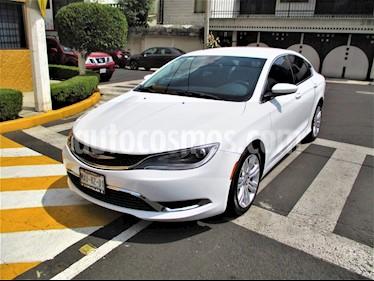 Foto Chrysler 200 2.4L Limited usado (2015) color Blanco precio $179,900