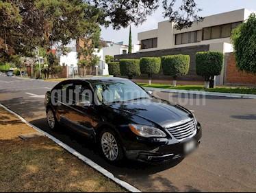Chrysler 200 2.4L Limited usado (2012) color Negro precio $137,000