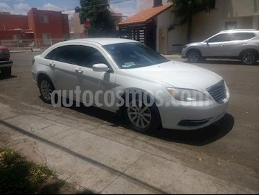 Chrysler 200 2.4L Limited usado (2014) color Blanco precio $150,000