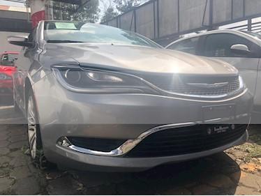 Foto venta Auto usado Chrysler 200 2.4L Limited (2015) color Gris precio $195,000