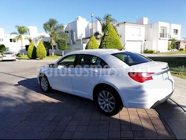 Chrysler 200 2.4L Touring  usado (2013) color Blanco precio $117,000