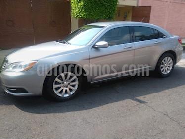 Chrysler 200 2.4L Touring usado (2014) color Gris precio $154,000