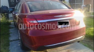 Chrysler 200 2.4L Limited usado (2012) color Rojo Cerezo precio $120,000