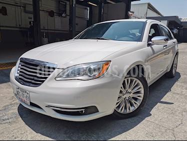 Chrysler 200 2.4L Limited  usado (2013) color Blanco precio $120,000