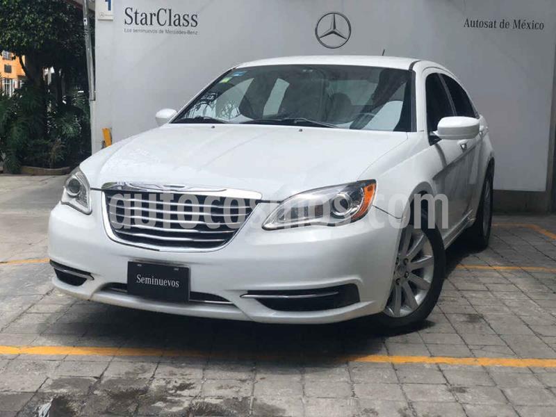 Chrysler 200 2.4L Touring usado (2014) color Blanco precio $135,000