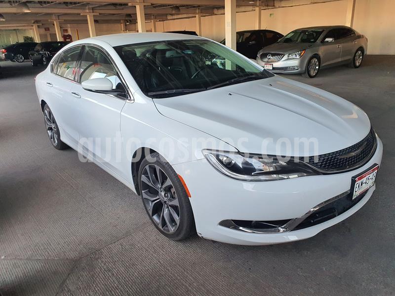 Chrysler 200 2.4L Limited usado (2015) color Blanco precio $210,000