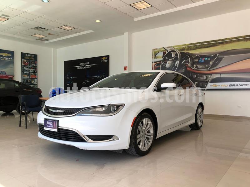 Chrysler 200 2.4L Limited usado (2015) color Blanco precio $190,000