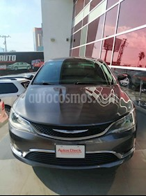 Chrysler 200 2.4L Limited usado (2015) color Gris precio $219,000