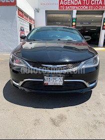 Chrysler 200 200 Limited usado (2015) color Negro precio $200,000