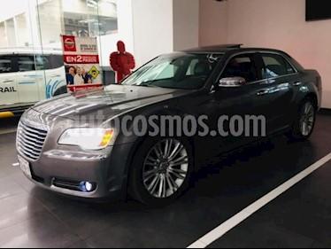 Foto venta Auto usado Chrysler 300 4p Premium V8/5.7 Aut (2012) color Plata precio $257,500