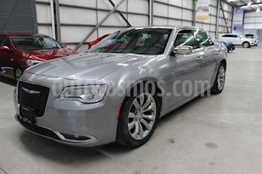 Chrysler 300 4p Hemi V8/5.7 Aut usado (2017) color Plata precio $394,900