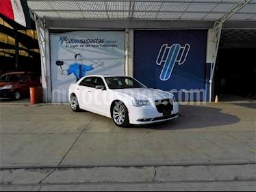 Chrysler 300 C 5.7L usado (2017) color Blanco precio $230,000