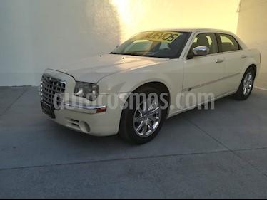 Chrysler 300 C 3.5L usado (2010) color Blanco Crema precio $125,000
