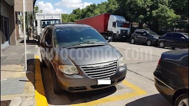Foto venta Auto Usado Chrysler Caravan 2.4 SE  (2005) color Acero precio $259.900