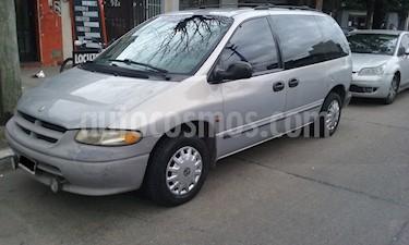 Chrysler Caravan 3.3 SE Aut usado (2001) color Gris precio $475.000