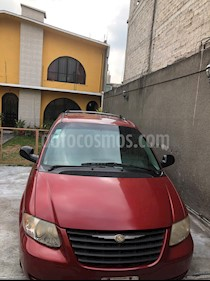 Chrysler Grand Voyager LX usado (2005) color Rojo precio $70,000