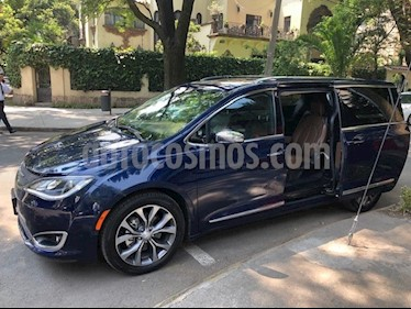 Chrysler Pacifica Limited Platinum usado (2017) color Azul precio $595,000