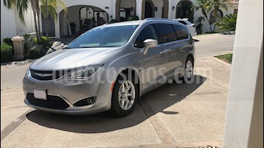 Foto Chrysler Pacifica Limited usado (2018) color Plata Metalico precio $630,000