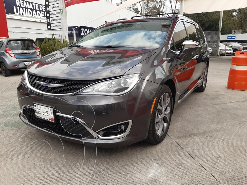 Chrysler Pacifica Limited Platinum usado (2019) color Granito precio $680,000