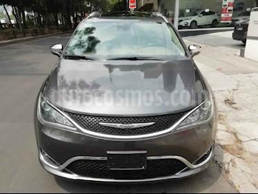 Chrysler Pacifica 5p Limited L6/3.6 Aut usado (2017) color Gris precio $519,000