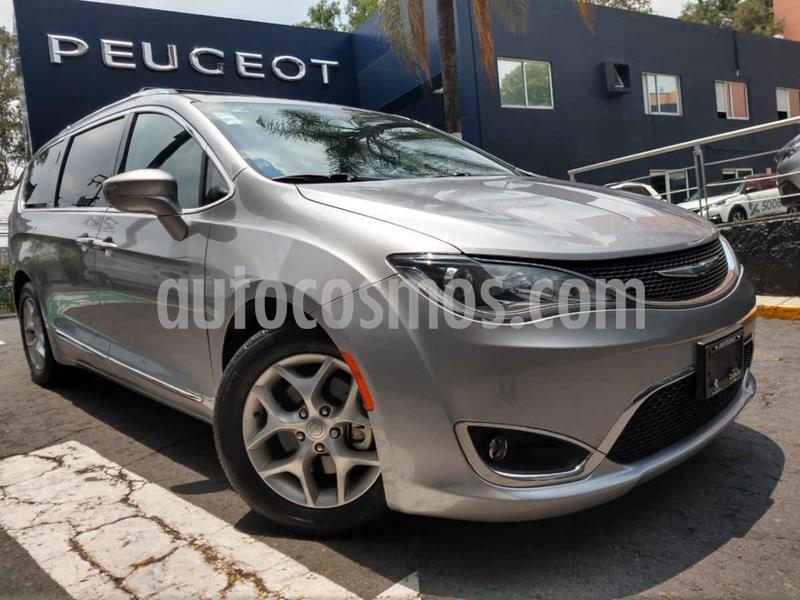 Chrysler Pacifica Limited usado (2018) color Plata precio $499,900
