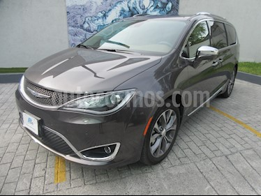Chrysler Pacifica Limited usado (2019) color Gris precio $907,900