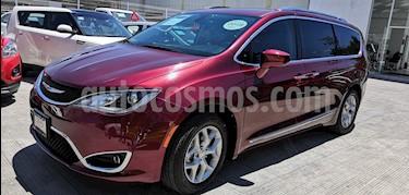 Chrysler Pacifica Limited usado (2018) color Rojo precio $575,000