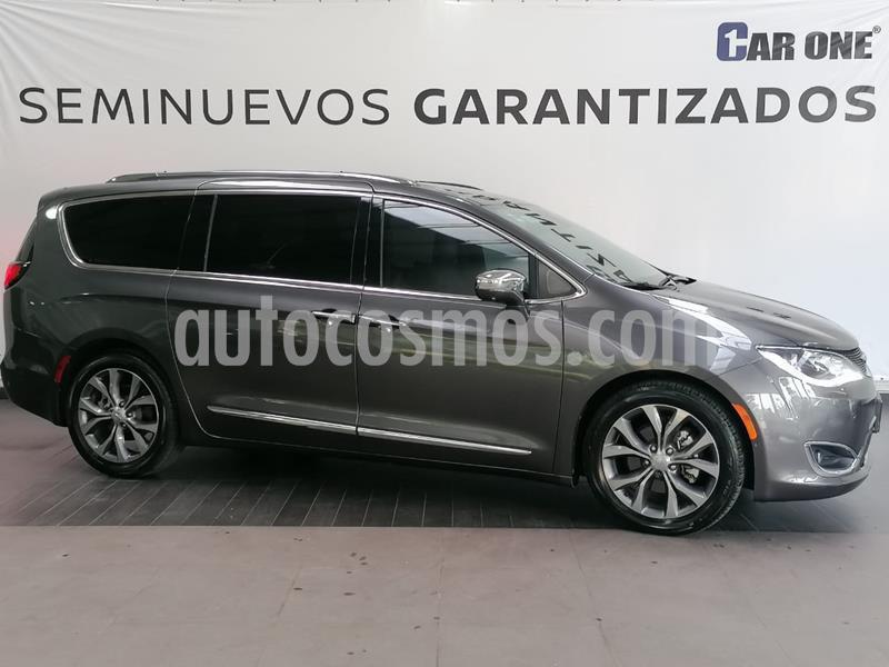 Chrysler Pacifica Limited Platinum usado (2018) color Granito precio $629,900