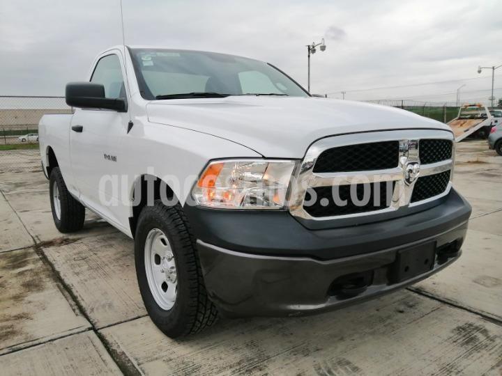 Chrysler Ram 1500 SLT Laramie 4x4 Quad Cab Aut usado (2019) color Blanco precio $465,000