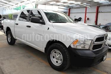 Foto venta Auto Seminuevo Chrysler Ram SLT Crew Cab Heavy Duty 5.7 4x4 (2015) color Blanco precio $319,000