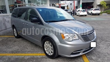 Chrysler Town and Country 5P LI TA CD usado (2016) color Plata precio $287,000