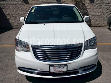 Foto venta Auto usado Chrysler Town and Country 5p Li V6/3.6 Aut (2015) color Blanco precio $260,000