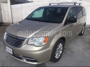Chrysler Town and Country 5p Li V6/3.6 Aut usado (2015) color Beige precio $245,000
