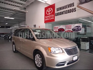 Foto venta Auto usado Chrysler Town and Country 5p Li V6/3.6 Aut (2016) color Beige precio $229,000