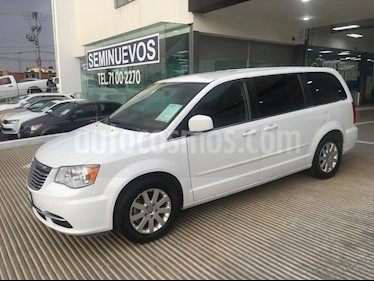 Foto venta Auto usado Chrysler Town and Country 5p Li V6/3.6 Aut (2016) color Blanco precio $289,000