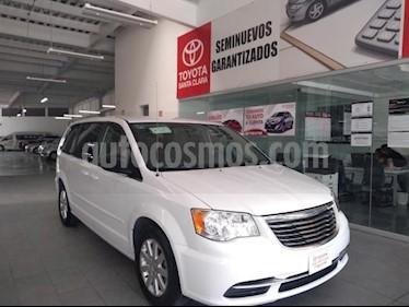 Foto venta Auto usado Chrysler Town and Country 5p Li V6/3.6 Aut (2016) color Blanco precio $229,000