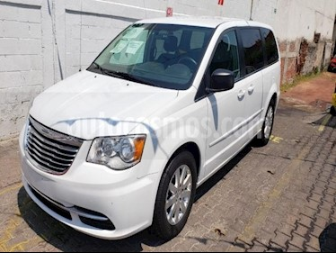 Foto venta Auto usado Chrysler Town and Country 5p Li V6/3.6 Aut (2016) color Blanco precio $285,000