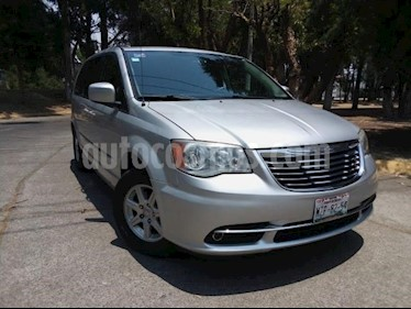 Foto venta Auto usado Chrysler Town and Country 5p LX V6/3.6 Aut DVD (2011) color Plata precio $199,000